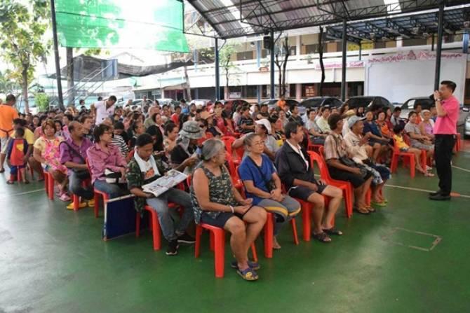 ชาวชุมชน-พ่อค้าแม่ค้าร้องถูกสั่งปิดตลาดโบราณ 200 ปี