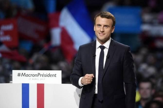 """ม.ศิลปากร มอบดุษฎีบัณฑิตฯ ให้""""มาครง"""" ประธานาธิบดีฝรั่งเศส"""